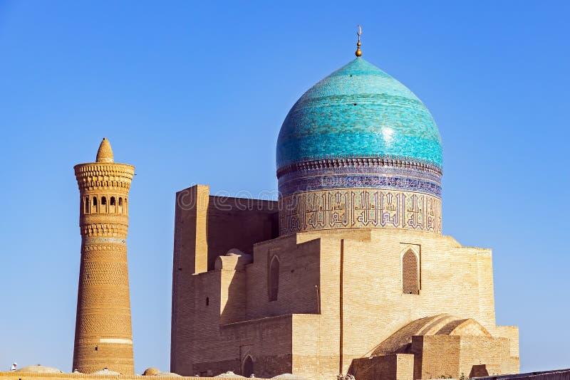 Kalyanmoskee en minaret, in de stad van Boukhara, Oezbekistan wordt gevestigd dat royalty-vrije stock foto