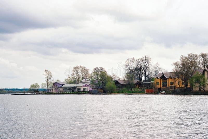 Kalyazin ha sommerso la città sul bacino idrico di Uglic sul fiume Volga nel oblast di Tver'in Russia immagine stock libera da diritti