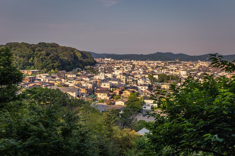 Kamakura - 6 juin 2019 : Vue panoramique de Kamakura vue du temple de Hasedera à Kamakura, Japon image libre de droits