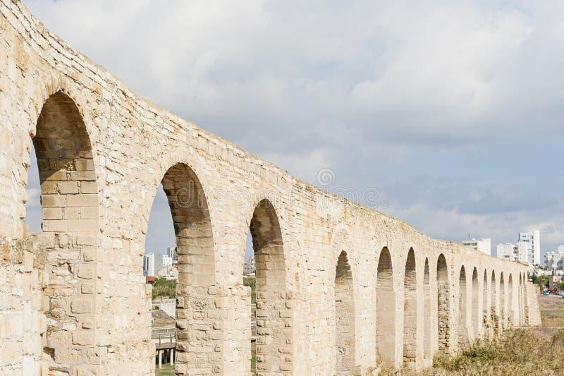 Kamares Aquaduct w Larnaka Cypr fotografia stock