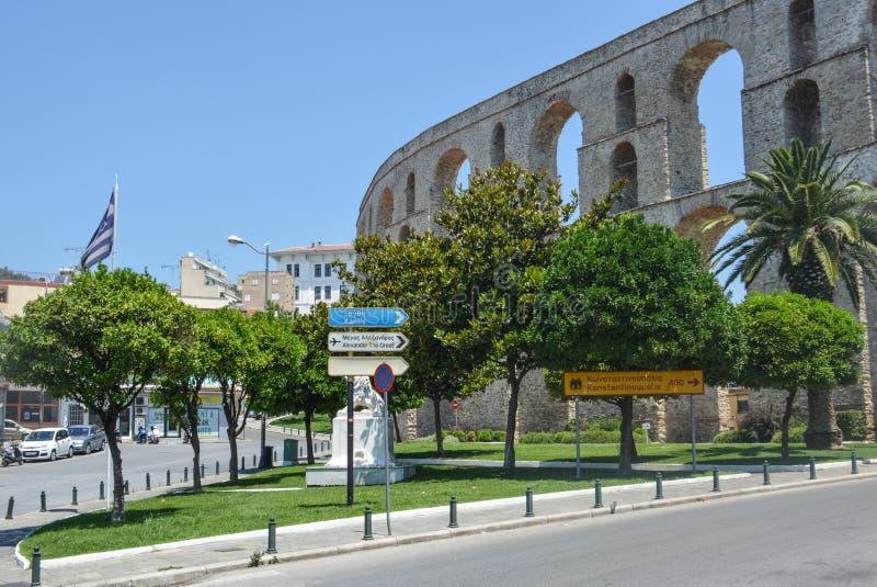 Kamares - der Aquädukt von Kavala, Griechenland lizenzfreie stockbilder