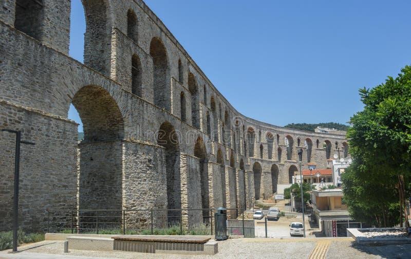 Kamares - der Aquädukt von Kavala, Griechenland lizenzfreie stockfotos