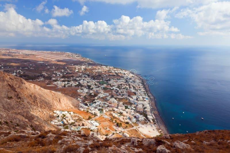 Kamari-Stadt auf Santorini-Insel, Griechenland lizenzfreie stockbilder