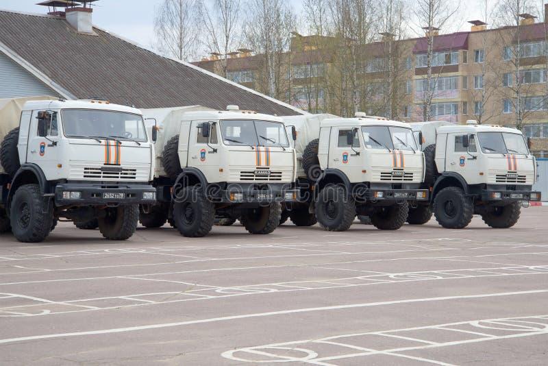 KAMAZ-43114俄罗斯的抢救中心EMERCOM停车场的 库存图片