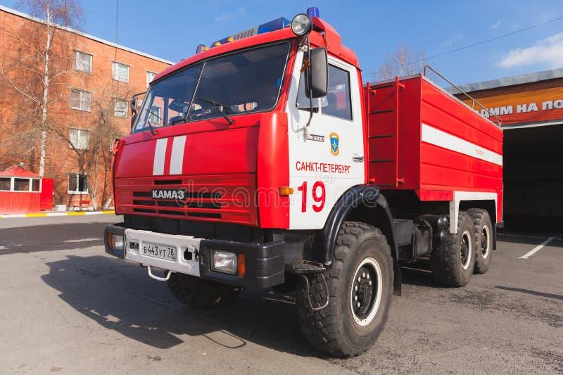 KAMAZ 43114 红色俄国消防车 免版税库存照片