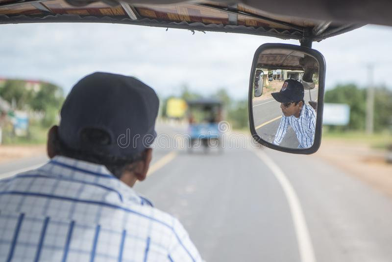 KAMBODŻA KAMPONG THOM miasta transport TUK TUK obraz stock