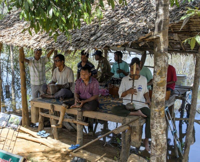 Kambodschanische Straßenmusiker lizenzfreies stockfoto