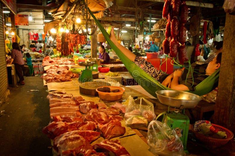 Kambodschanischer Markt in Siem Reap, Kambodscha stockfotos