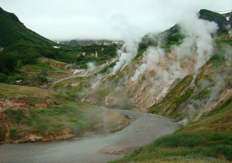Kamchatka dalen av Geysers, målat glass arkivbild