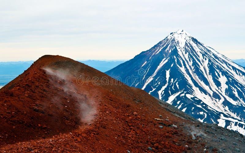 kamchatka koryakskiy vulkan royaltyfria bilder