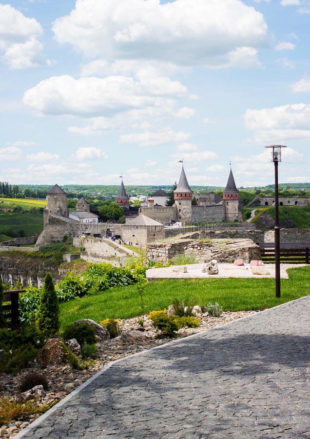 Kamenetz-Podolsk Ουκρανία 5 Αυγούστου 2017 Άποψη της Νίκαιας του παλαιού κάστρου στοκ εικόνα