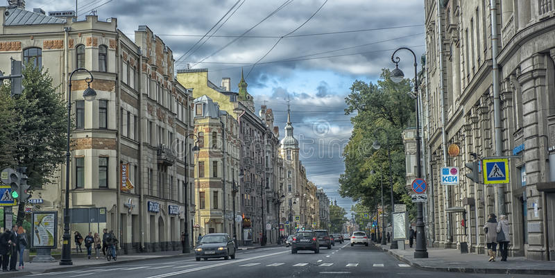 Kamennoostrovsky Prospekt am Herbsttag stockfotos