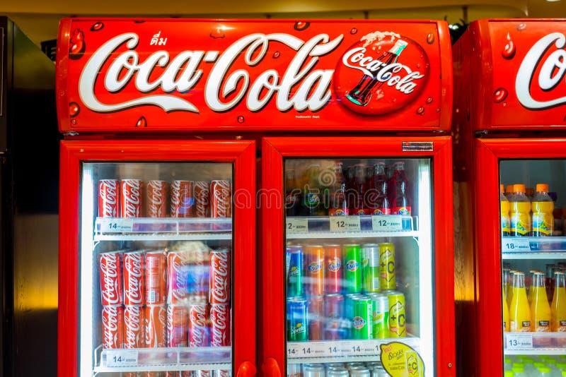 Kamer van de coca-cola de commerciële vorst in Bangkok, Thailand royalty-vrije stock foto's