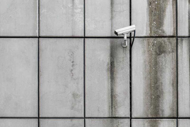 Kamera bezpieczeństwa, cctv na budynek ścianie zdjęcie stock