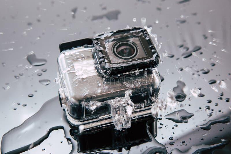 Kamera för handling för GoPro HJÄLTE 5 i vattentätt fall arkivfoton