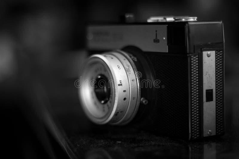 Kamera mit örtlich festgelegter Linse stockbilder