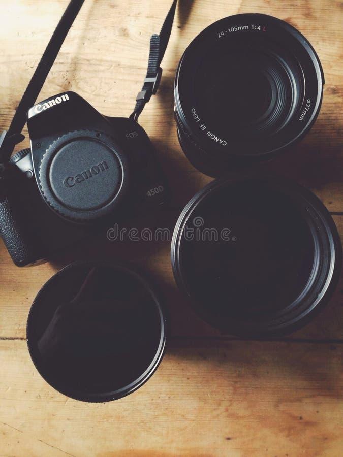 Kamera und Linse lizenzfreies stockfoto