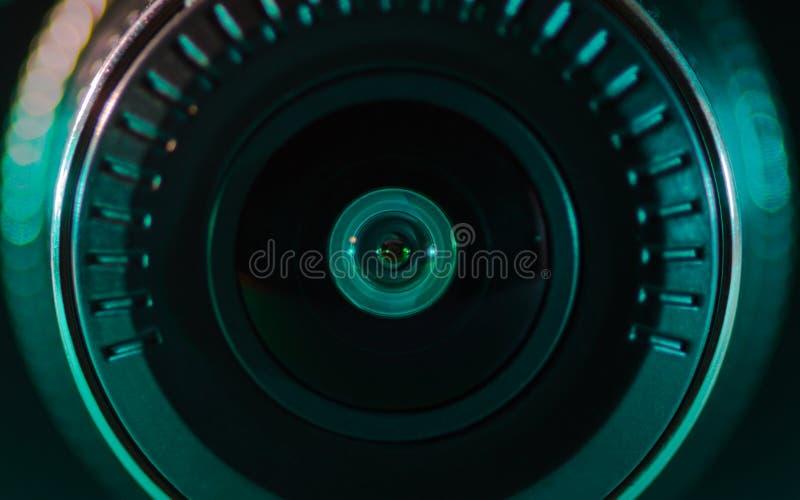 Kameralinsen med kulört ljus, nära foto, royaltyfria bilder