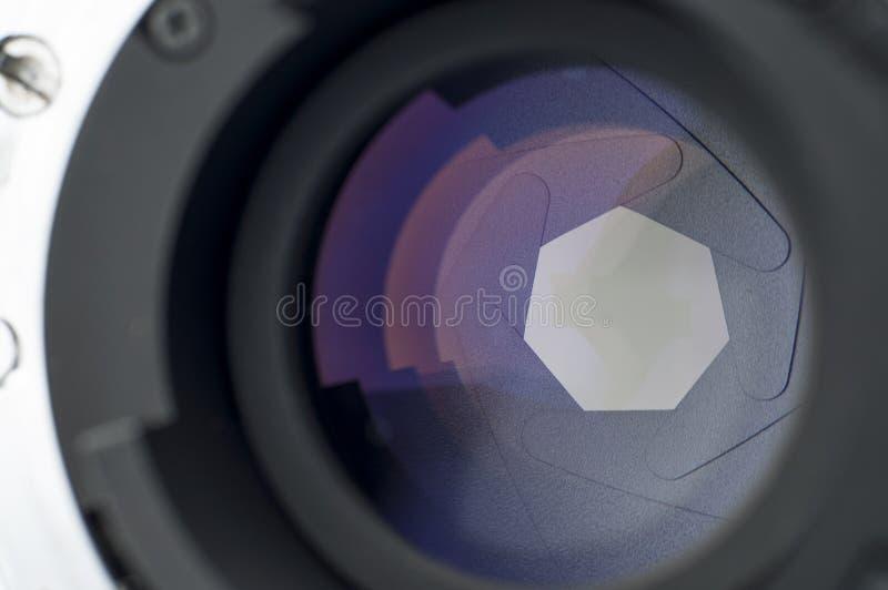 Kameraobjektiv-Fensterladen-Nahaufnahme lizenzfreie stockfotografie