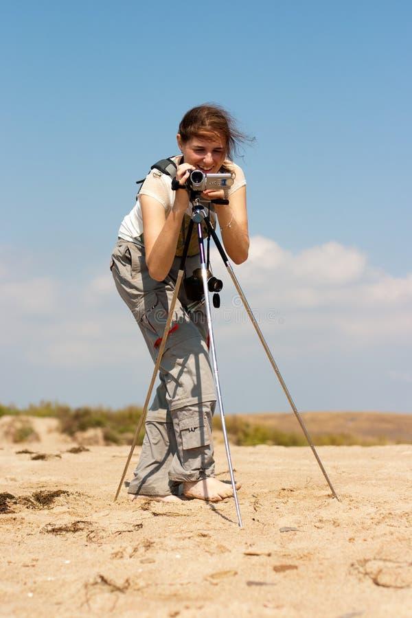 Download Kamery dziewczyna zdjęcie stock. Obraz złożonej z tripod - 13343232