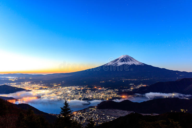 100 kamery powietrznej 300dpi d helens mt, st pary wentylacji wzrok się Waszyngton Fuji i Kawaguchiko zdjęcie stock