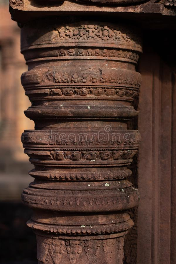 Kamieniarka szczegół przy Antyczną Banteay Srei świątynią, Kambodża obraz royalty free