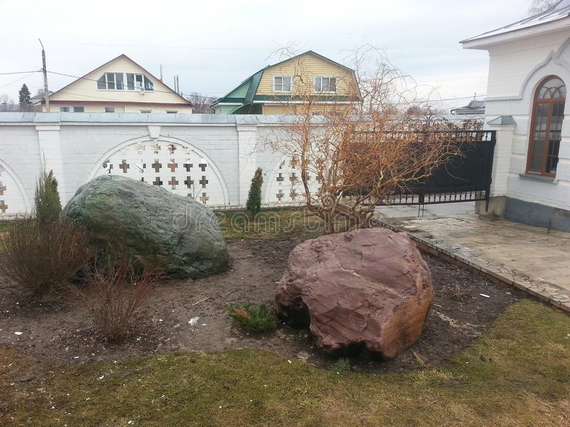 Kamienie które mówją kamienie Kamni opuszczał po lodowa fotografia stock