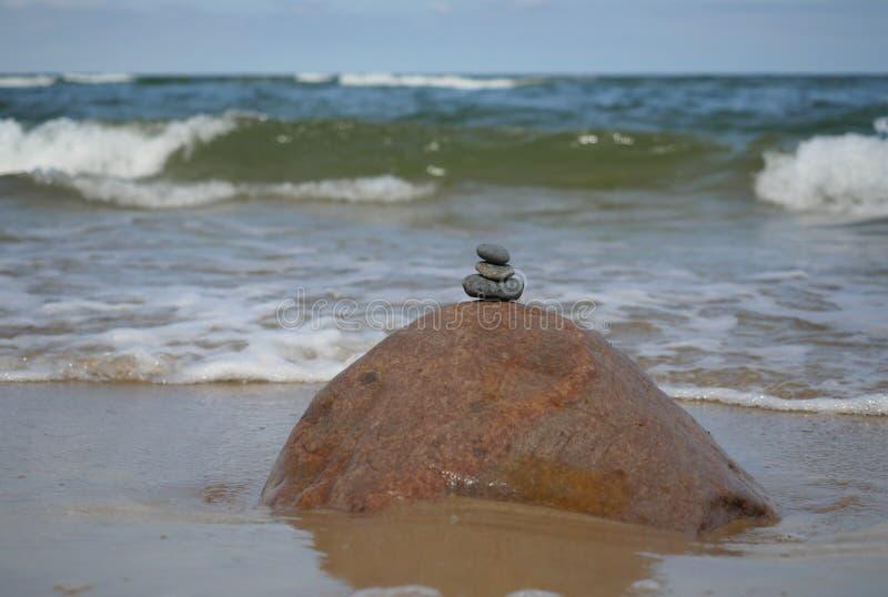 Kamienie na dennym tle obrazy royalty free