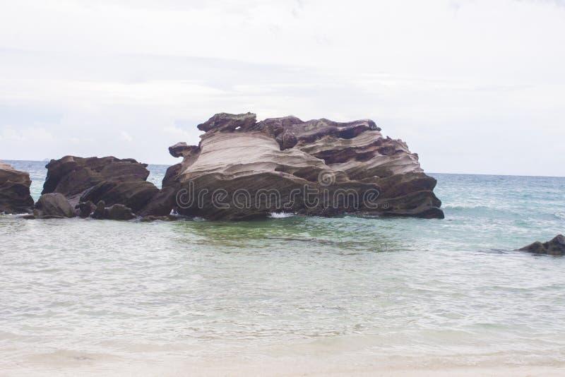 Kamienie przy morzem, w Phuket obrazy royalty free