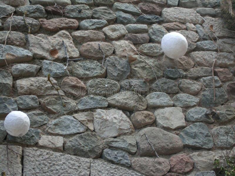 Kamienna ściana z ornamentami wiesza w średniowiecznym towe zdjęcie royalty free
