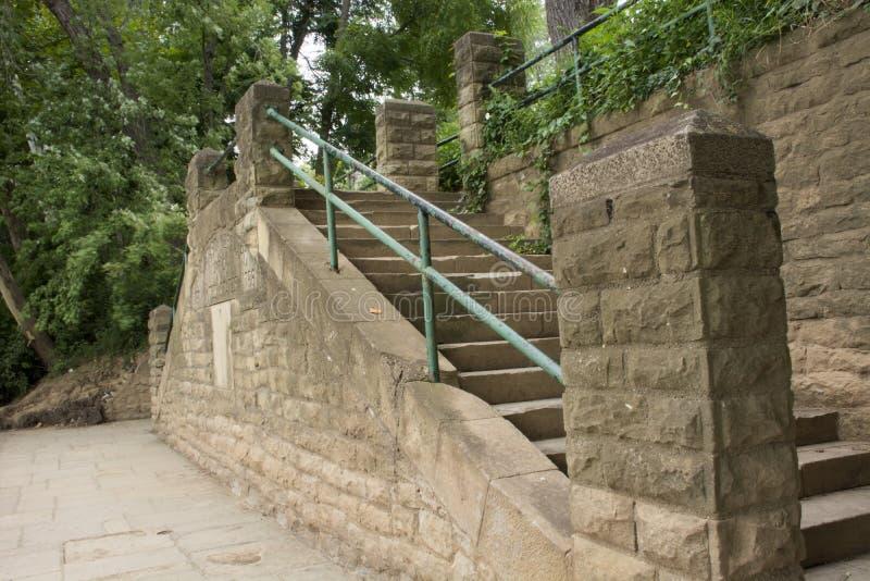 Kamienna ściana z schody zdjęcia stock