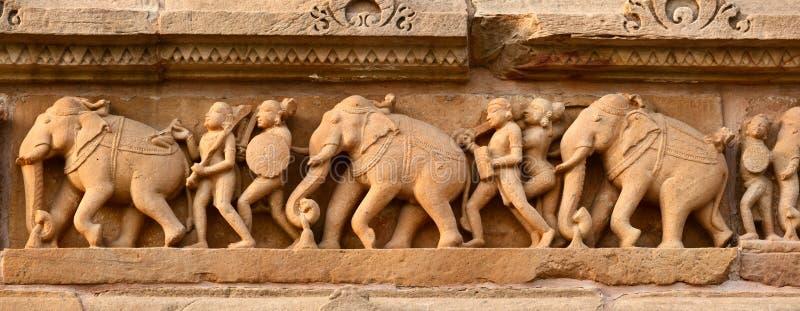 Kamienna cyzelowania bas ulgi panorama, Khajuraho fotografia royalty free