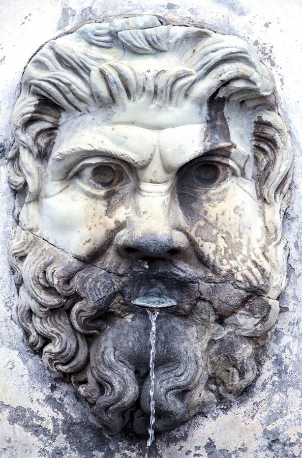 Kamienna fontanna zdjęcia stock