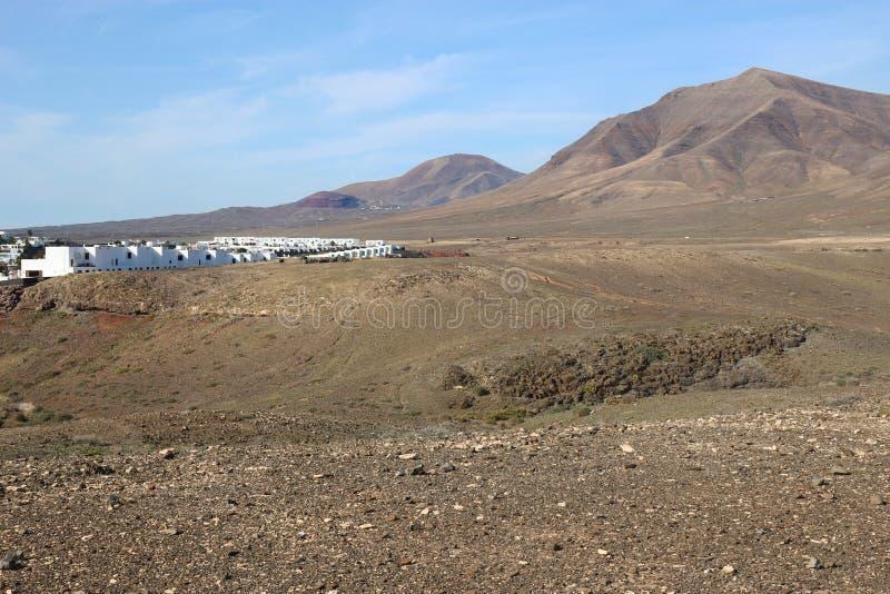 Kamienna pustynia Pico Redondo na Lanzarote i wulkan obrazy stock