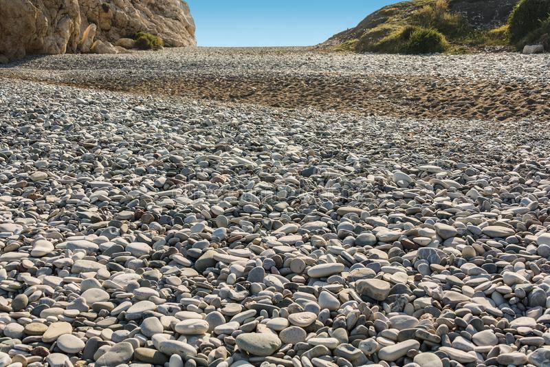 Kamienna rzeka od dennych kamieni obraz royalty free