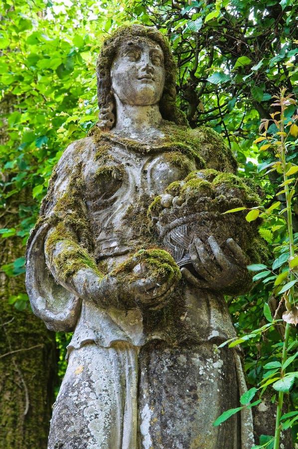 Download Kamienna Statua. Grazzano Visconti. Emilia. Włochy. Zdjęcie Stock - Obraz złożonej z landmark, historyczny: 28956838