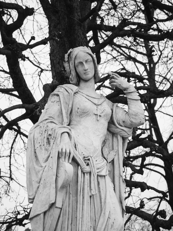 Kamienna statua w Luksemburg uprawia ogródek, jeden wielki publi obraz stock