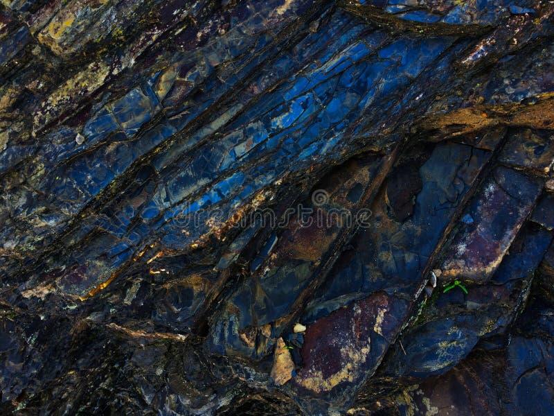 Kamienna tekstura zadziwiaj?cy kolor, skaliste warstwy jaskrawi kolory obraz stock
