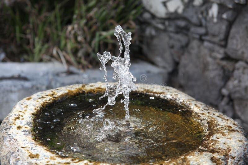 Kamienna wodna fontanna w Włochy fotografia stock