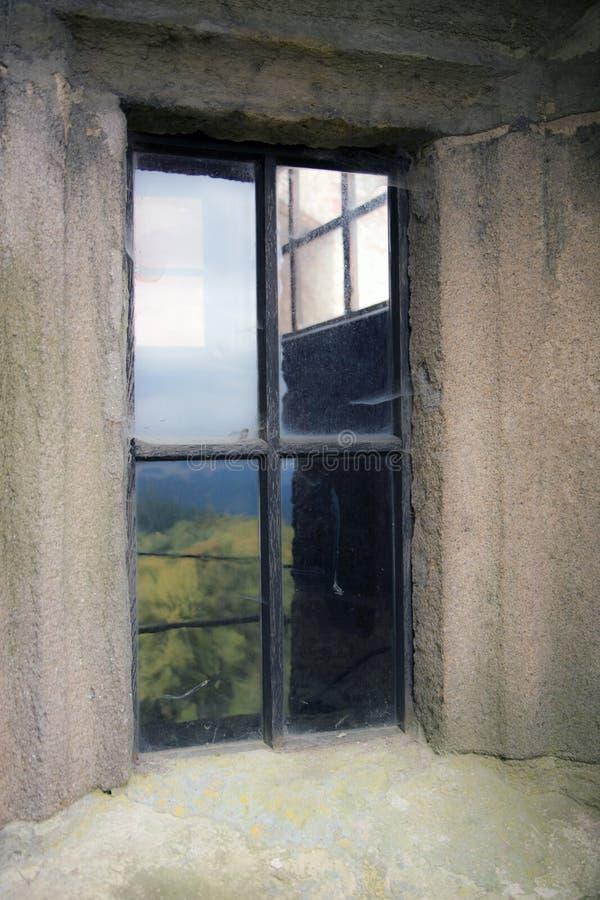 kamiennej ściany okno zdjęcia stock