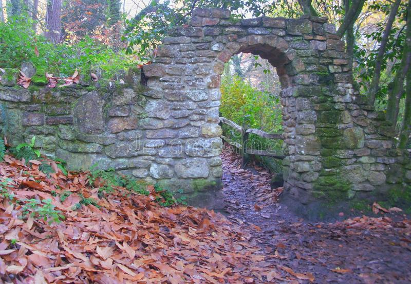Kamienny Archway na droga przemian w Parkland zdjęcia royalty free