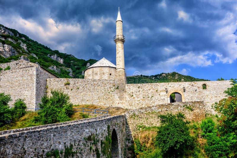 Kamienny forteca z meczetem w Travnik, Bośnia fotografia stock