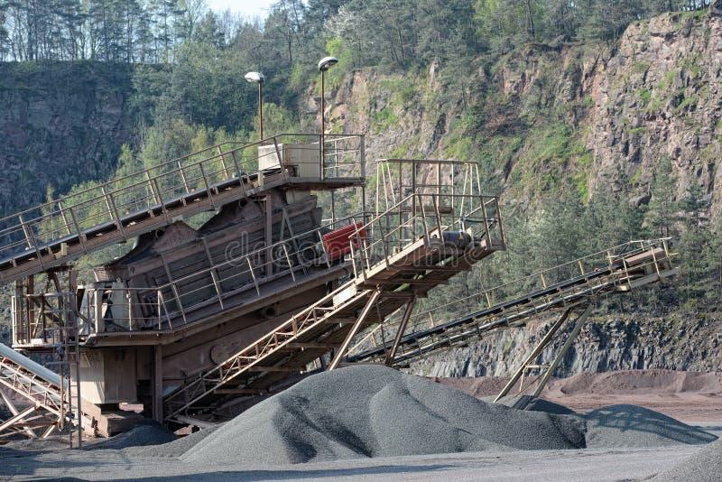 Kamienny gniotownik w łupie ziemski Andalusia przemysł mąci górniczego Spain fotografia stock