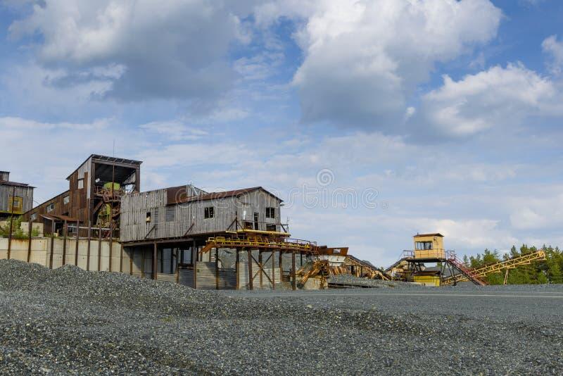 Kamienny gniotownik w łupie ziemski Andalusia przemysł mąci górniczego Spain zdjęcia stock
