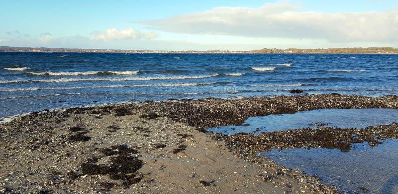 Kamienny krajobraz z błękitne wody fotografia royalty free
