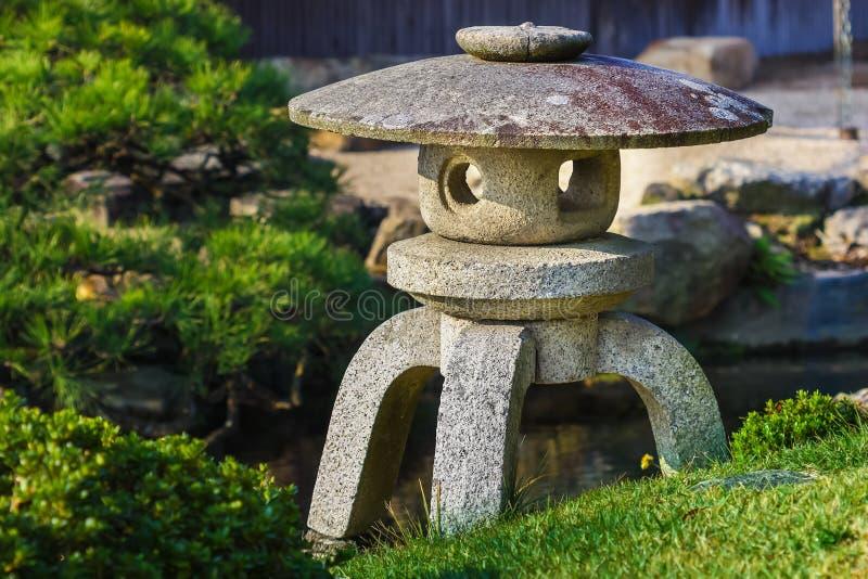 Kamienny lampion przy En ogródem fotografia stock