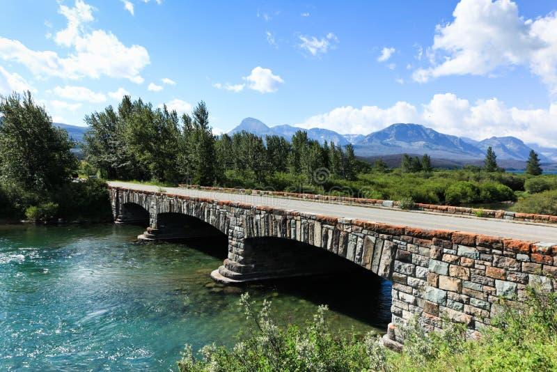 Kamienny most Nad Zieloną rzeką zdjęcia royalty free