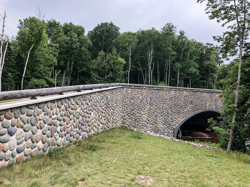 Kamienny most przy Indiana stanu parkiem zdjęcie royalty free