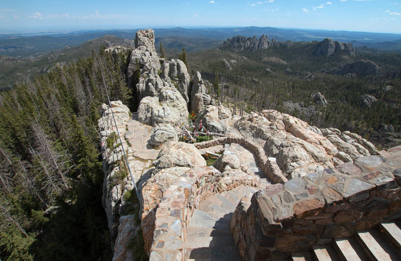Kamienny schody prowadzi w dół od Harney szczytu ogienia punktu obserwacyjnego wierza w Custer stanu parku obraz stock