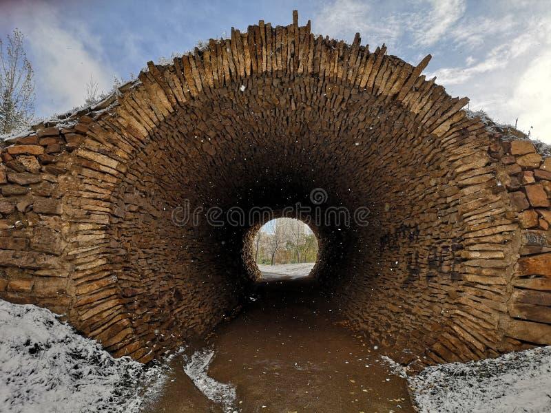 kamienny tunel zdjęcie stock